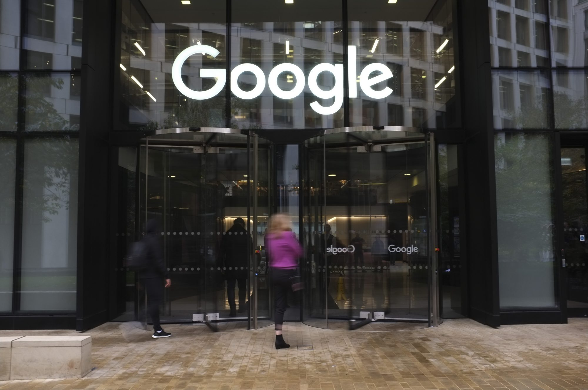 Google Staff Walk Out Over Women's Treatment In London