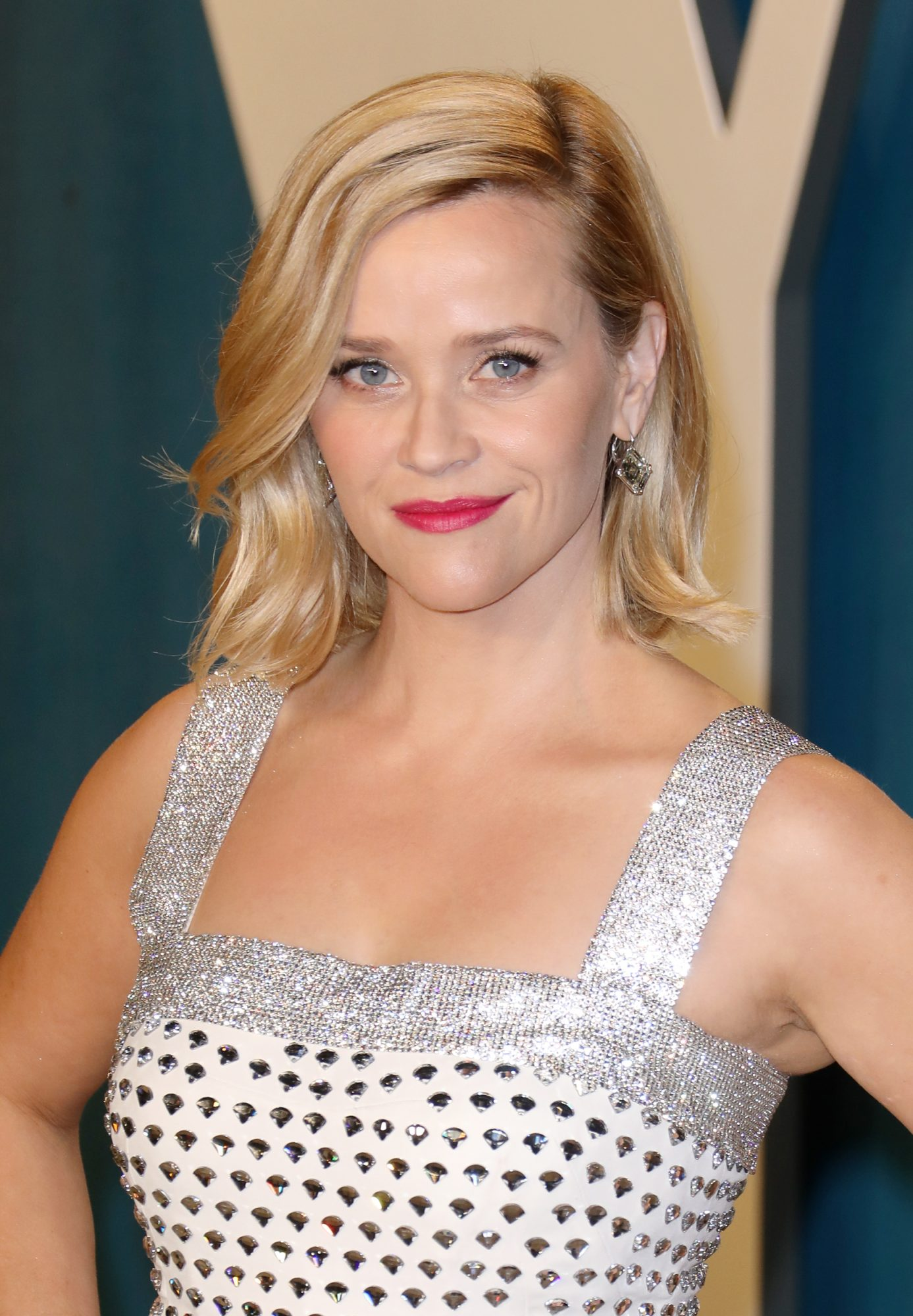 Reese Witherspoon and Laura Dern Twinned While Social Distancing