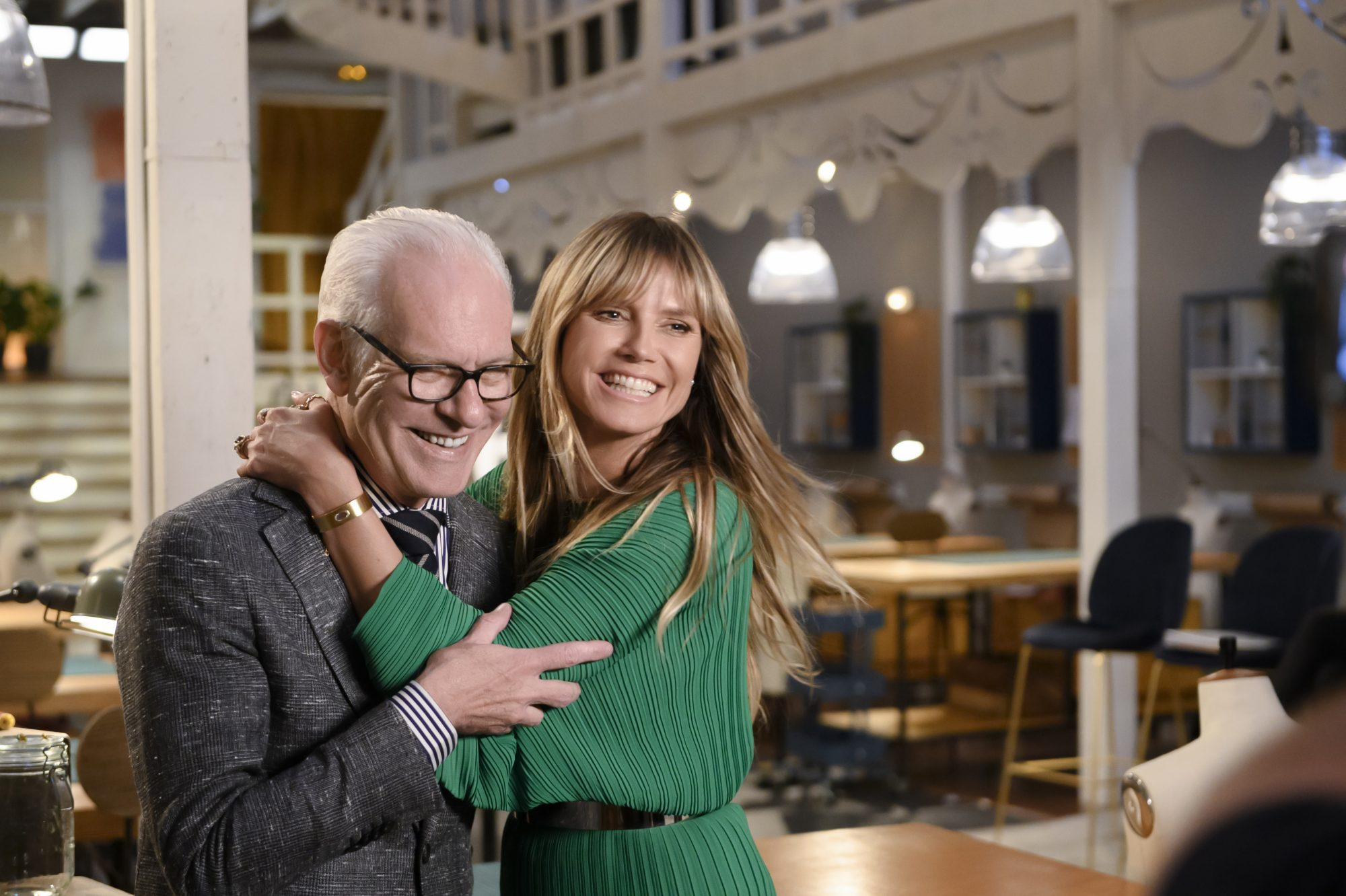 Tim Gunn and Heidi Klum Hug Finale