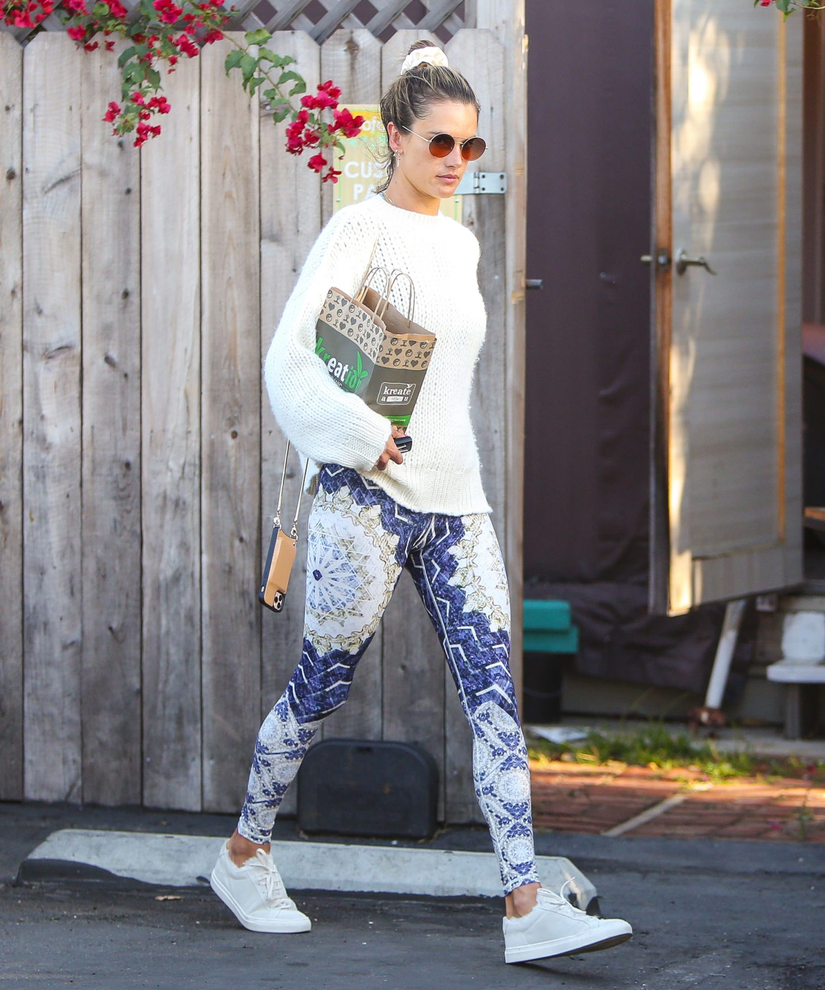 SYND: Celebrities Love This Sustainable Brand's Printed Leggings—and Right Now They're on Sale