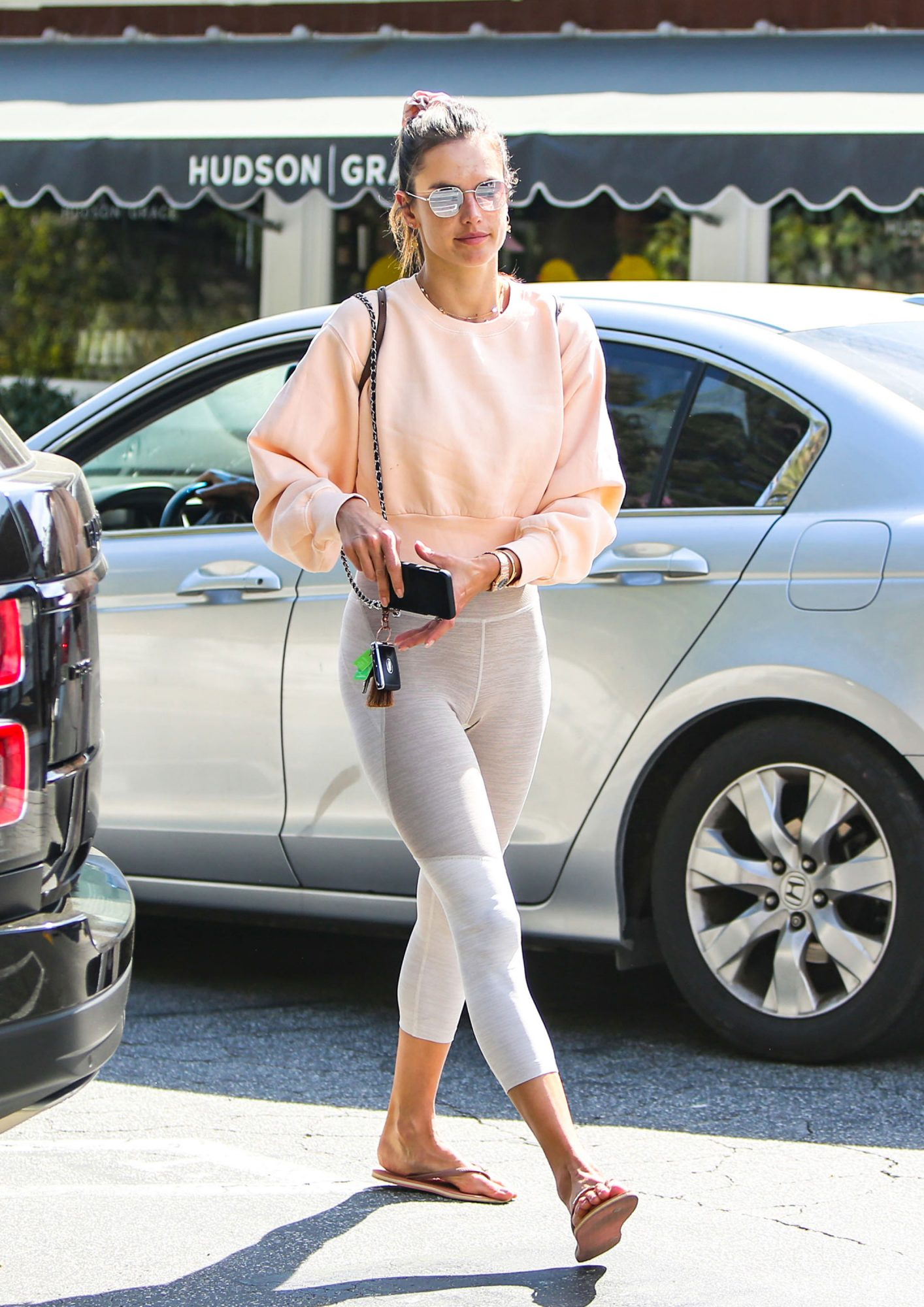 Hailey Bieber, Alessandra Ambriosio, and Sophie Turner Love This Activewear Brand, and It Secretly Put So Many Customer-Loved Styles on Sale