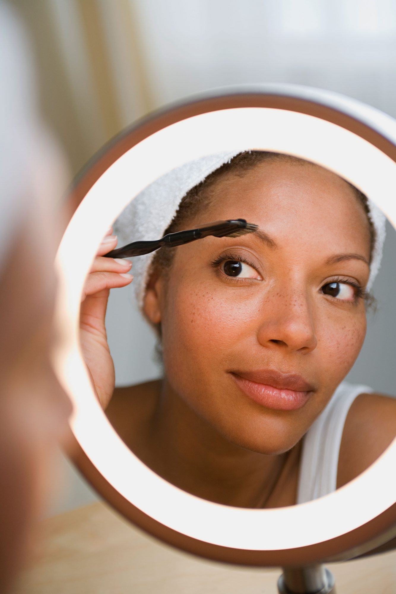 Makeup Lights For Your Beauty Routine