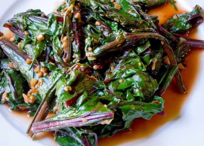 Simple and Delicious Beet Greens