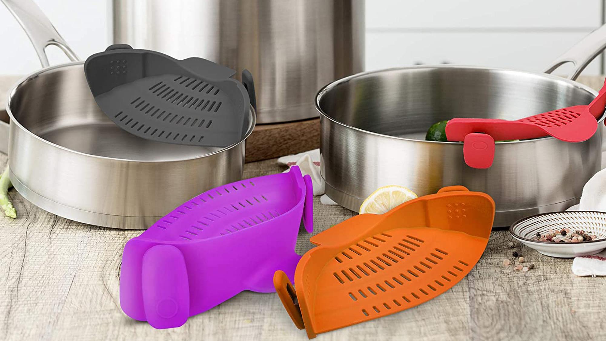 Kitchen Gizmo Snap N Strain | Purple Strainer with Clip-On Silicone Colander