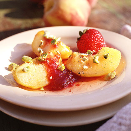 Vanilla-Poached Peaches