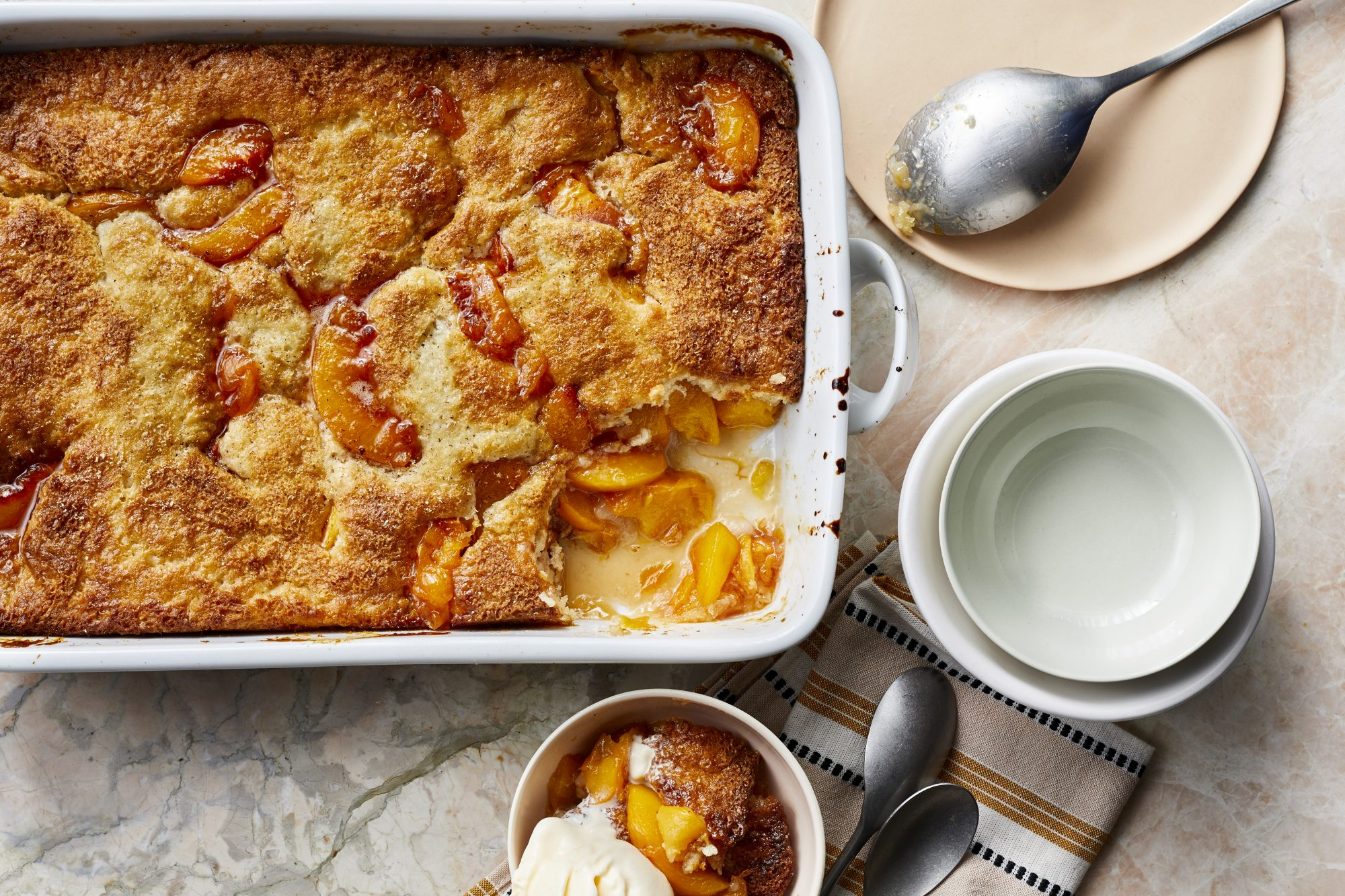 mr-easy-peach-cobbler