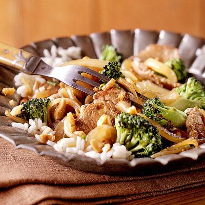 Stir-Fried Pork with Broccoli and Cashews