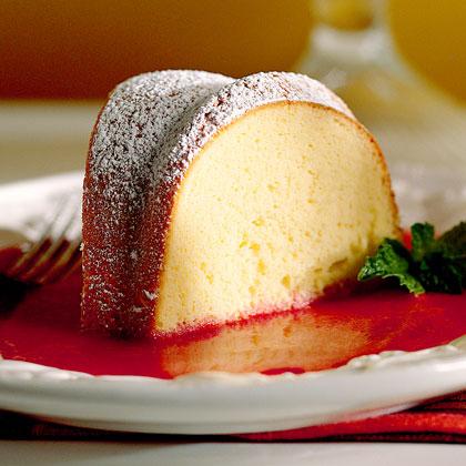 Sour Cream Pound Cake With Raspberry Sauce