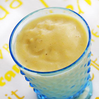 Banana-Peach Buttermilk Smoothie