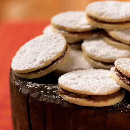 Dulce de Leche-Filled Cookies