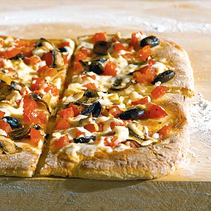 Tomato, Mushroom, and Mozzarella Pizza