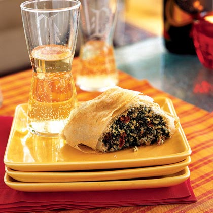 Spinach, Sun-Dried Tomato, and Parmesan Rolls