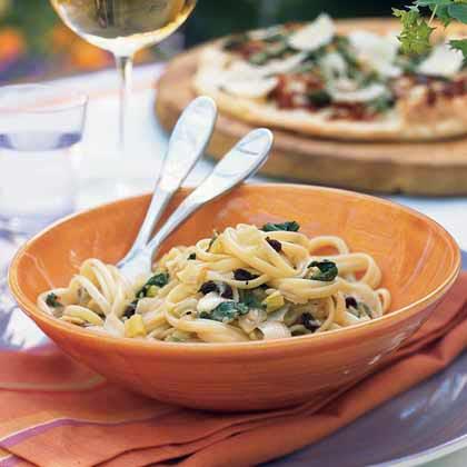 Pasta with Caramelized Onion Trio, Arugula, and Mozzarella