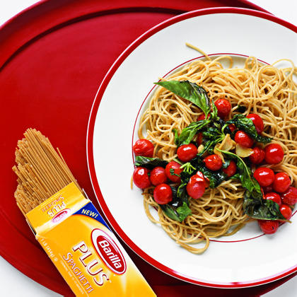 Pasta with Warm Tomatoes and Basil
