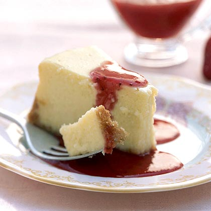 Cheesecake with Fresh Strawberry Sauce