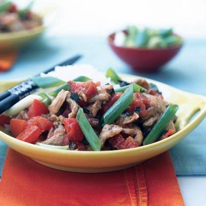 Garlic Pork with Tomato and Basil