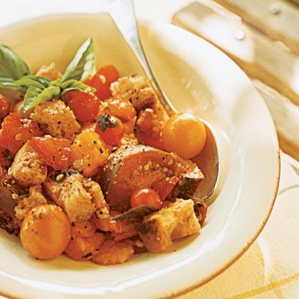 Tuscan Bread and Tomato Salad (Panzanella)