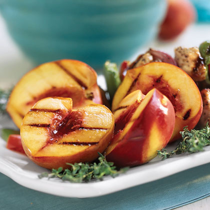Grilled Peaches Jezebel