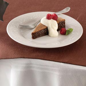 Flourless Chocolate Cake With White Chocolate Mousse