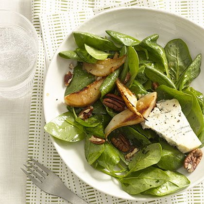 Spinach, Pear, and Goat Cheese Salad with Pecans