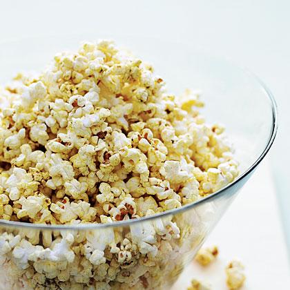 Gouda Garlic Popcorn