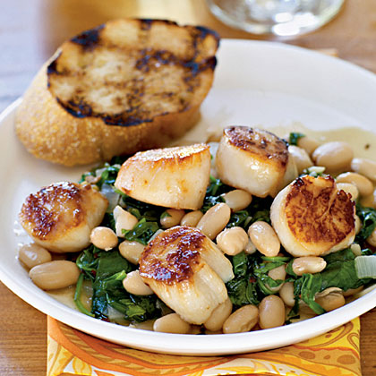 Seared Scallops with Warm Tuscan Beans