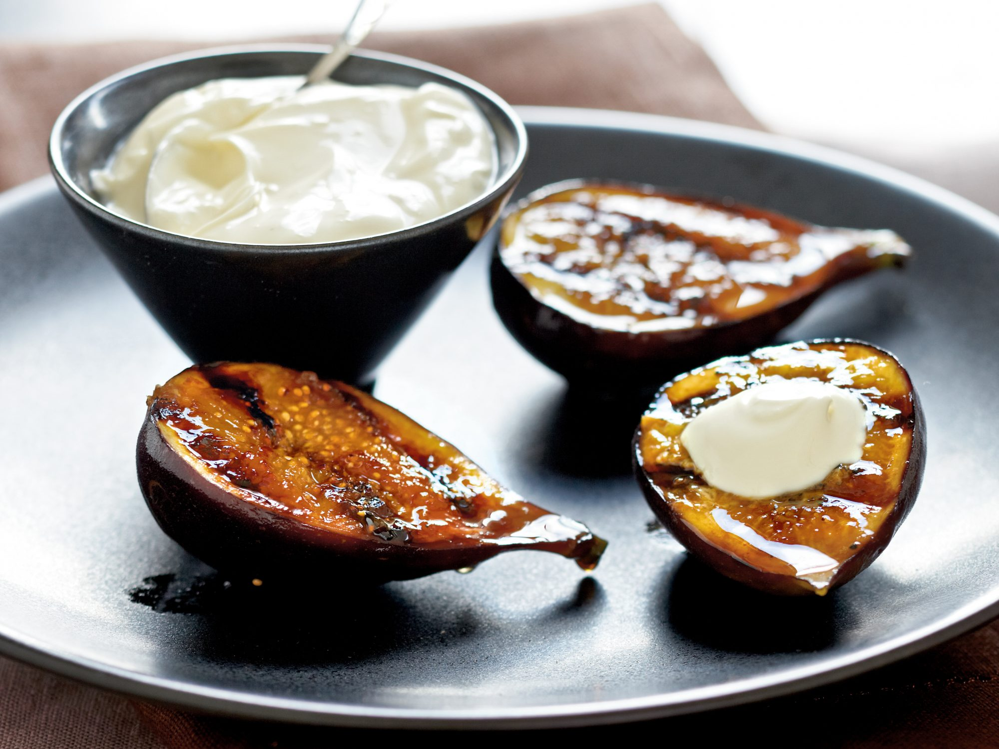 Caramelized Fresh Figs with Sweet Cream