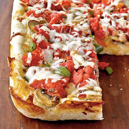 Chicago Deep-Dish Pizza