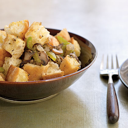 Classic Herbed Bread Dressing