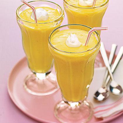 Peaches-and-Cream Milk Shakes