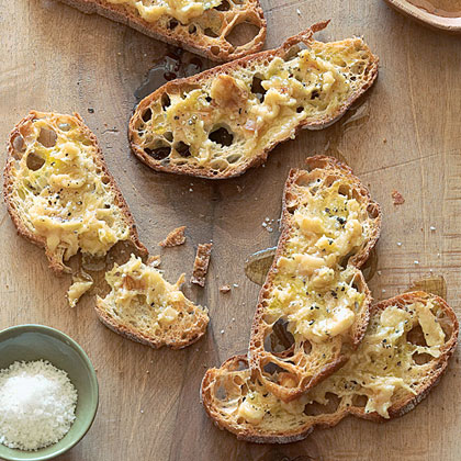 Roasted Garlic Toasts with Olio Nuovo