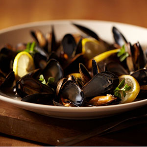 Lemon & Garlic Steamed Mussels