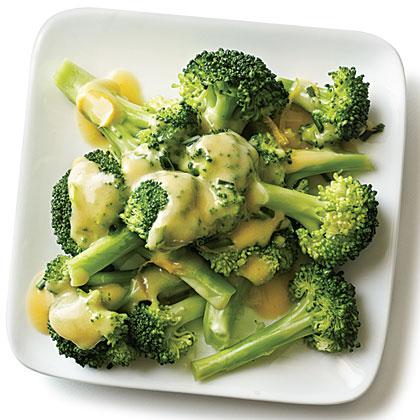 Cheddar-Beer Sauce Broccoli