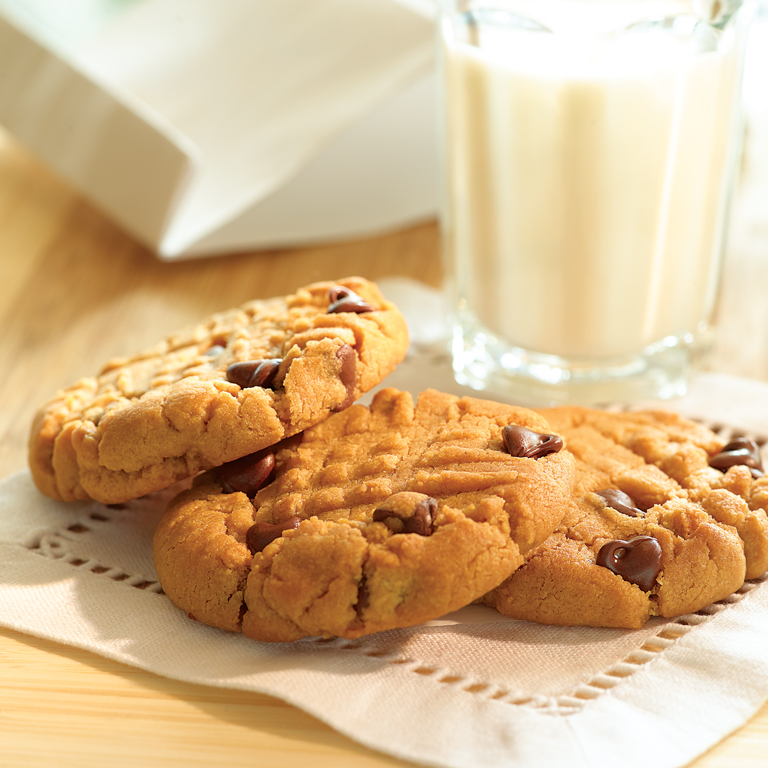 Chocolate Chip Peanut Butter Cookie