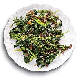 Sauta C Ed Broccoli Rabe Garlic Chiles Rape Fritte Recipe Myrecipes