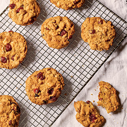 Oatmeal Cookies with Orange-Soaked Cranberries