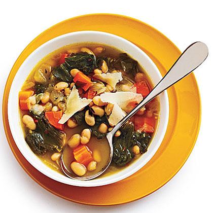 Tuscan White Bean Soup with Escarole