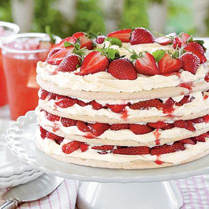 Fresh Strawberry Meringue Cake