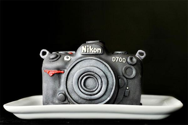 nikon-d700-cake-crop.jpg