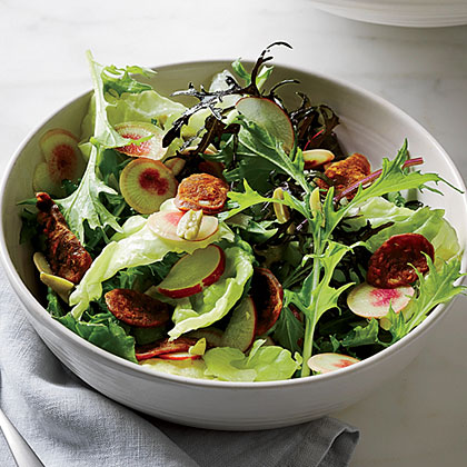 Green Salad with Chorizo Chips
