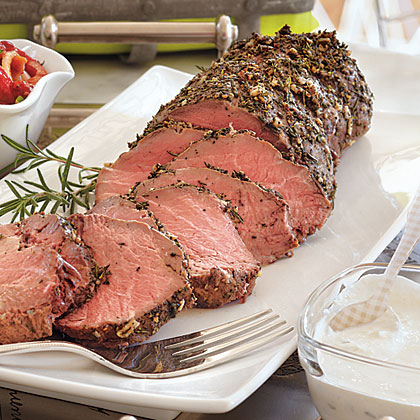 Cold Roasted Tenderloin of Beef with Creamy Horseradish Sauce