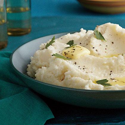 Basic Fluffy Mashed Potatoes