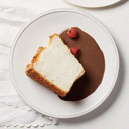 Vanilla Angel Food Cake with Chocolate Sauce