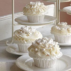 wedding-cake-cupcakes-xl.jpg