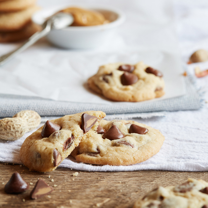 NESTLÉ® TOLL HOUSE® Peanut Butter Filled DelightFulls™ Chocolate Chip Cookies