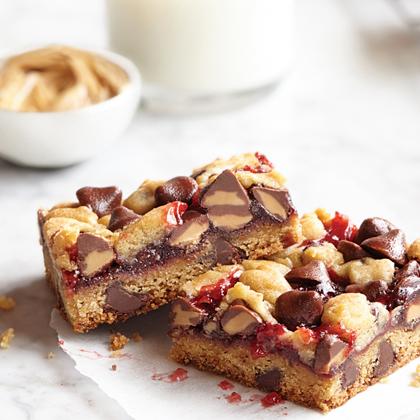 Peanut Butter Filled DelightFulls™ PB & J Bars