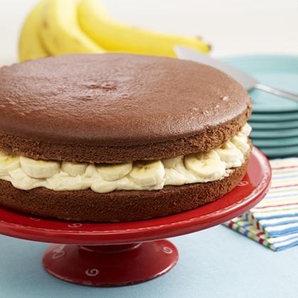 Giant Banana Cream Whoopie Pie