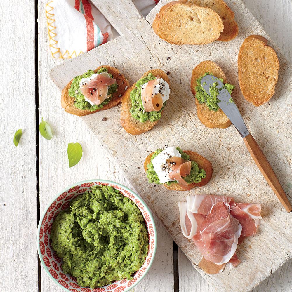 Green Pea Pesto Crostini with Prosciutto