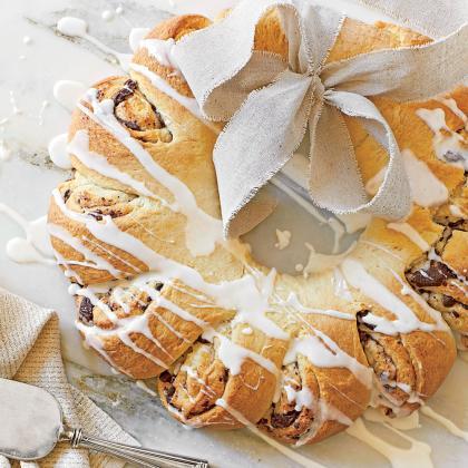 chocolate-breakfast-wreath-sl.jpg