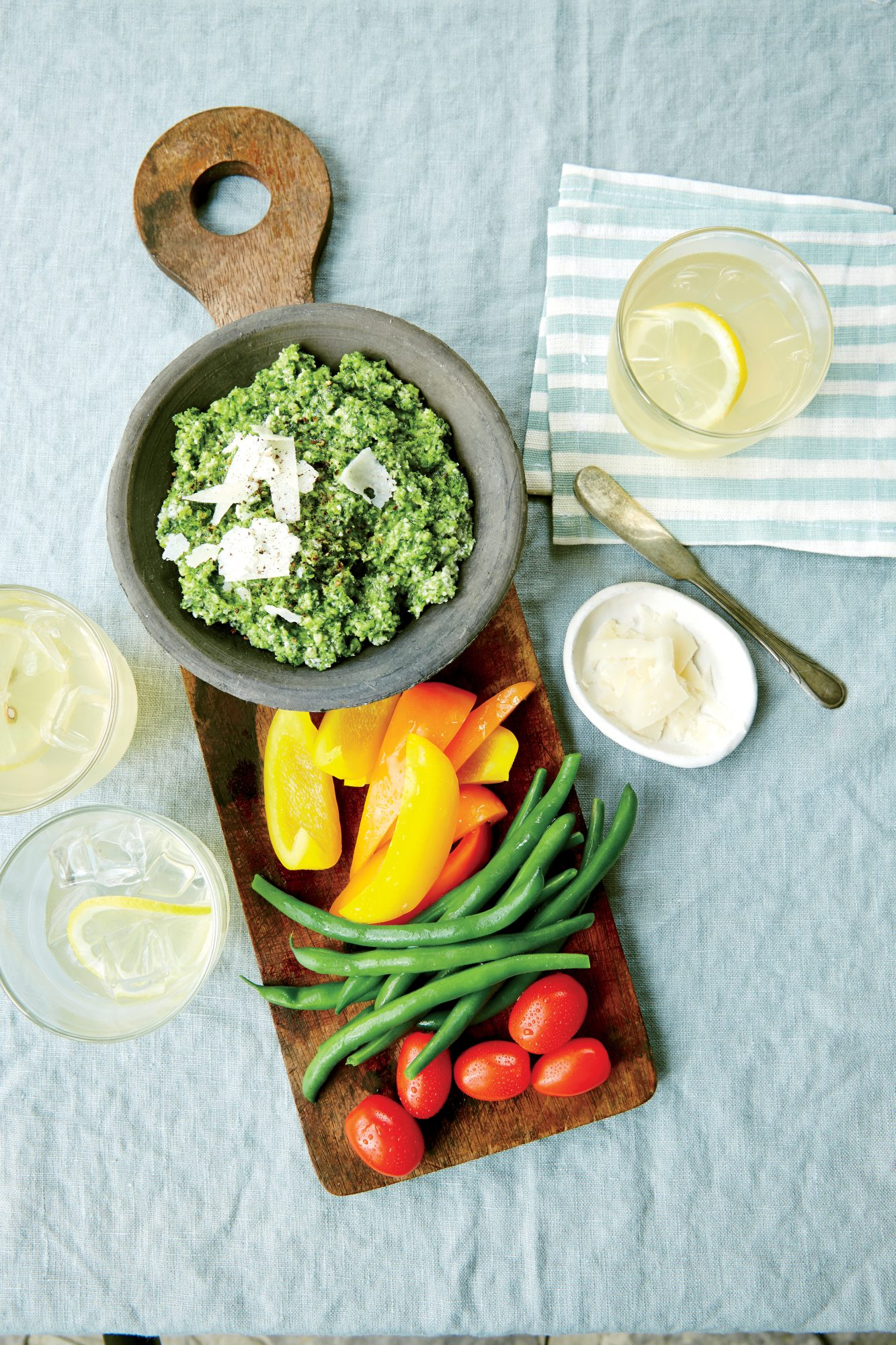 Zucchini Pesto with Crudites
